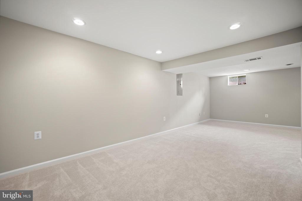 Recreation Room - 106 HAVERSACK CT NE, LEESBURG