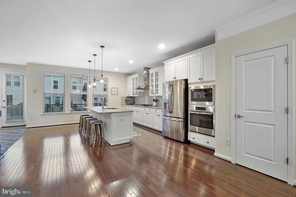 Open kitchen - 42266 KNOTTY OAK TER, BRAMBLETON