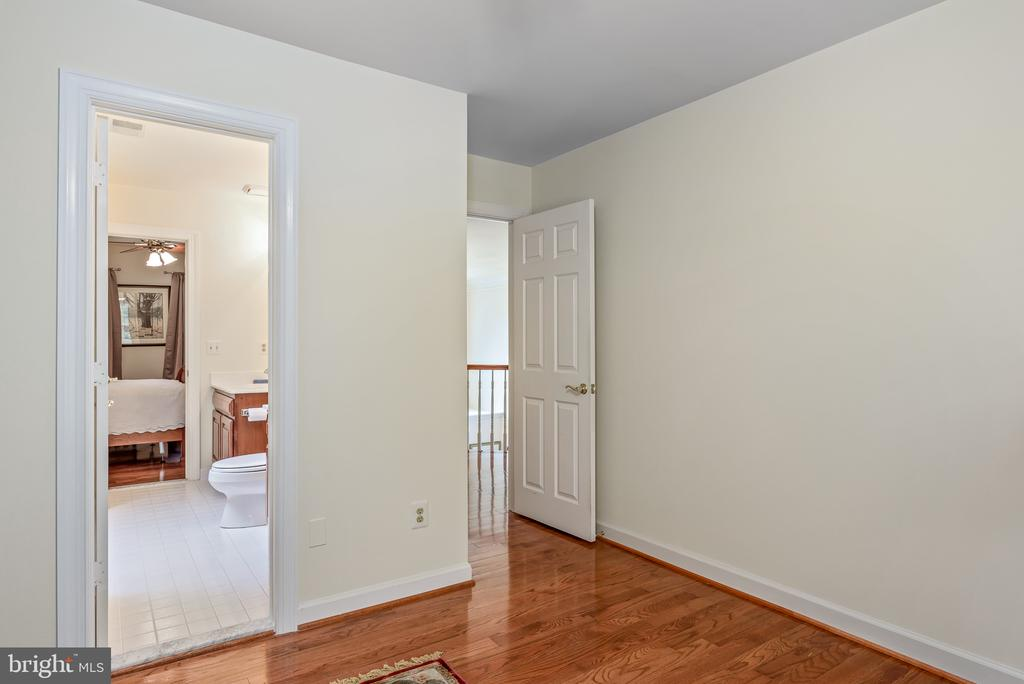 Upper Level Hall - 20441 WINFIELD PL, STERLING