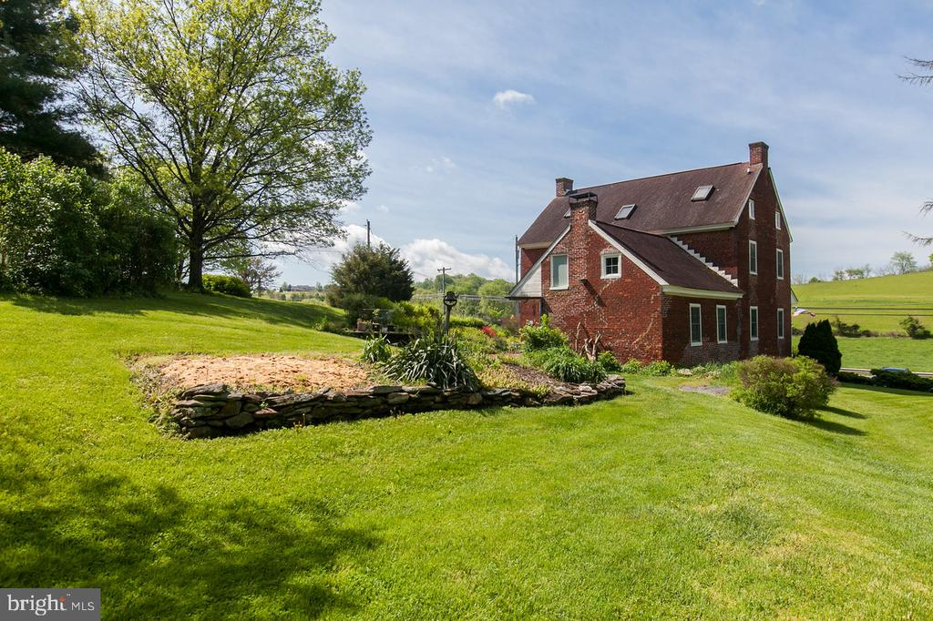 - 2136 OLD NATIONAL PIKE, MIDDLETOWN