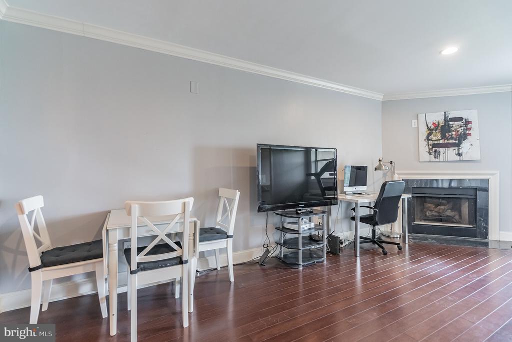 Hardwood Floors - 3217 WISCONSIN AVE NW #7C, WASHINGTON