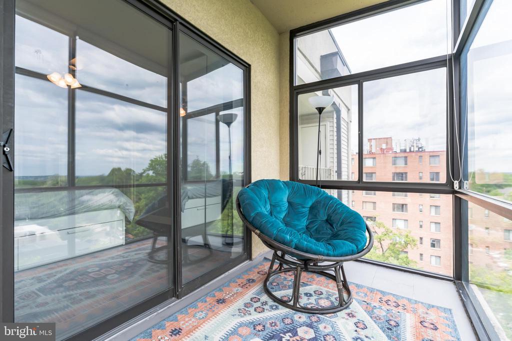 Enclosed Sunroom for all seasons - 3217 WISCONSIN AVE NW #7C, WASHINGTON