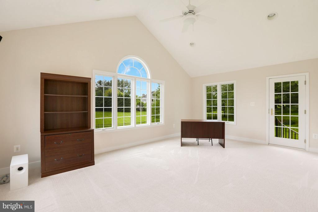 Master Sitting Room/Office - 23400 MELMORE PL, MIDDLEBURG