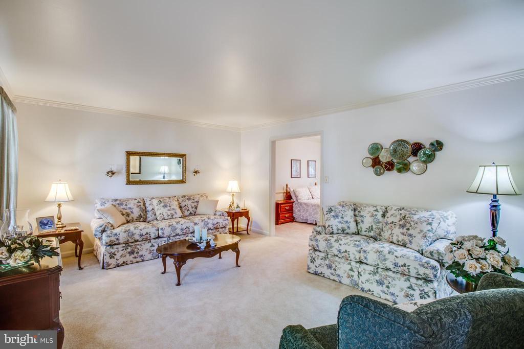 Formal living room - 10908 C E O CT, FREDERICKSBURG