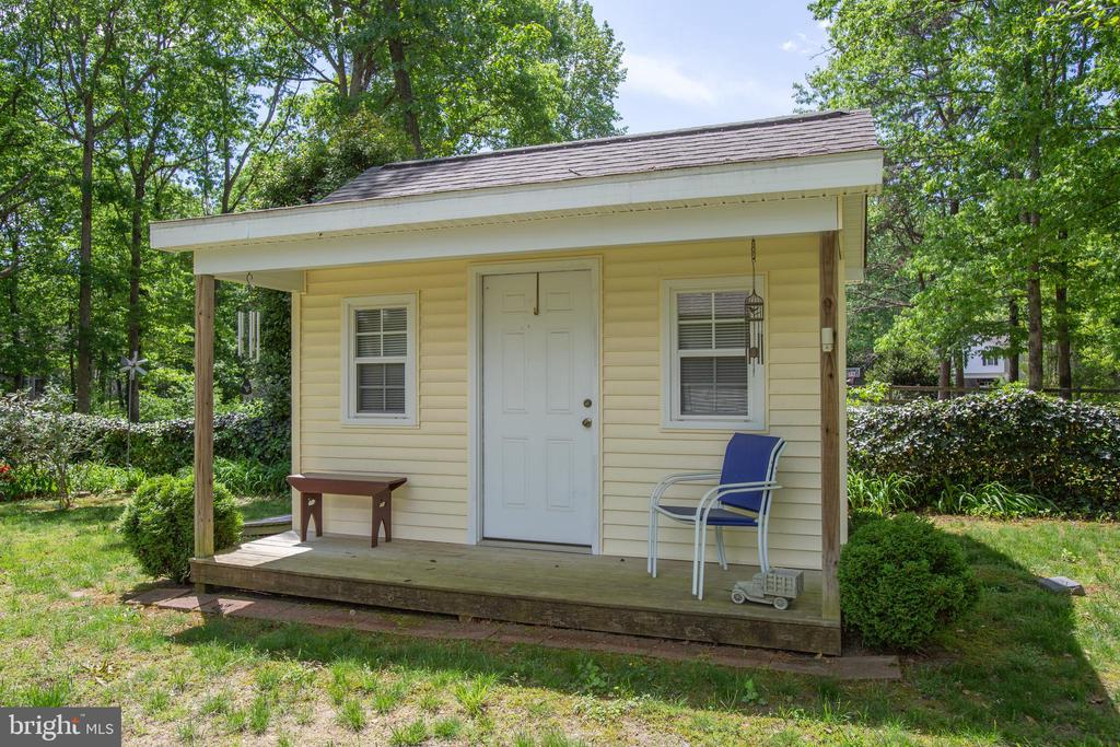 Shed with front porch! - 10908 C E O CT, FREDERICKSBURG