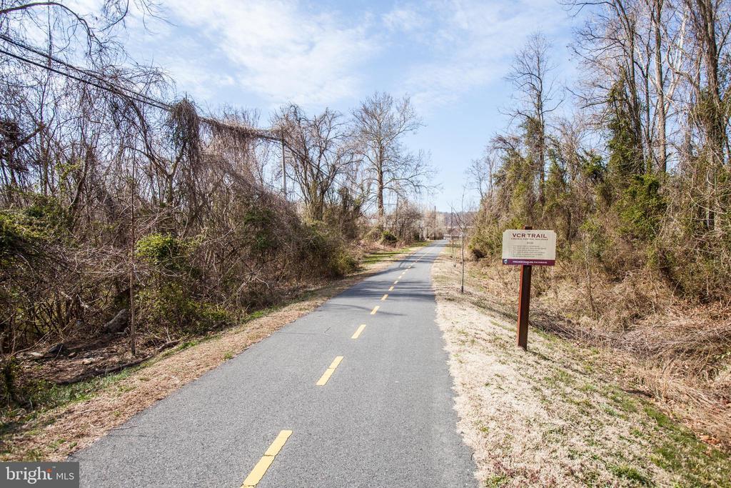 Bike/walk trail - 701-302 COBBLESTONE BLVD #302, FREDERICKSBURG