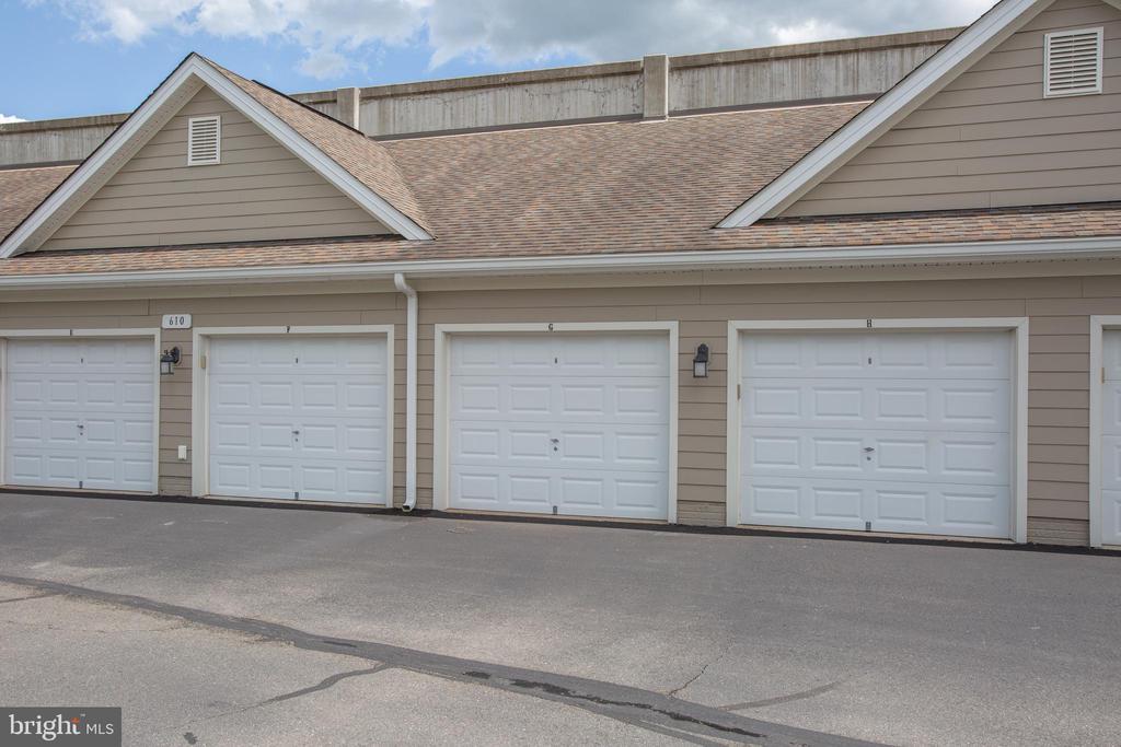 Detached garage space - 701-302 COBBLESTONE BLVD #302, FREDERICKSBURG
