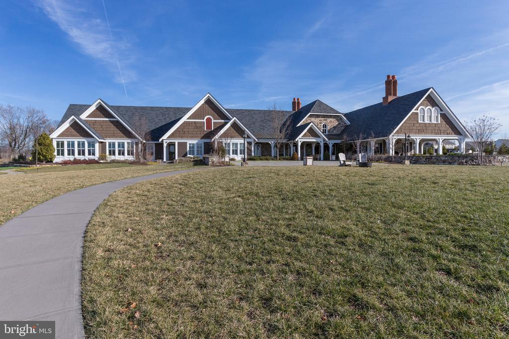 Clubhouse - 41062 LYNDALE WOODS DR, ALDIE