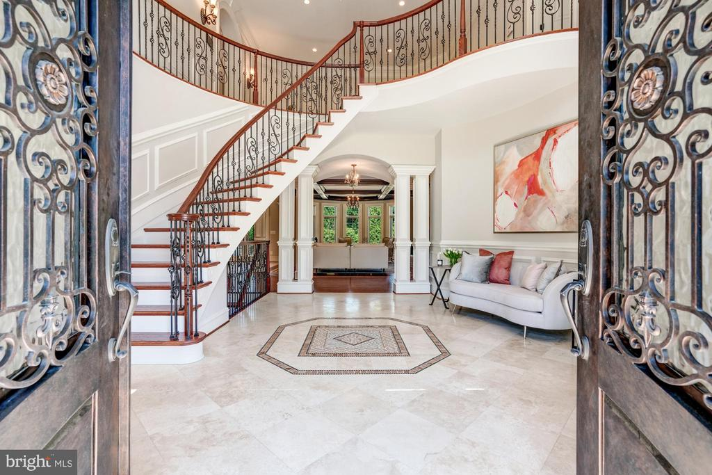Stunning Double Height Foyer - 8334 ALVORD ST, MCLEAN