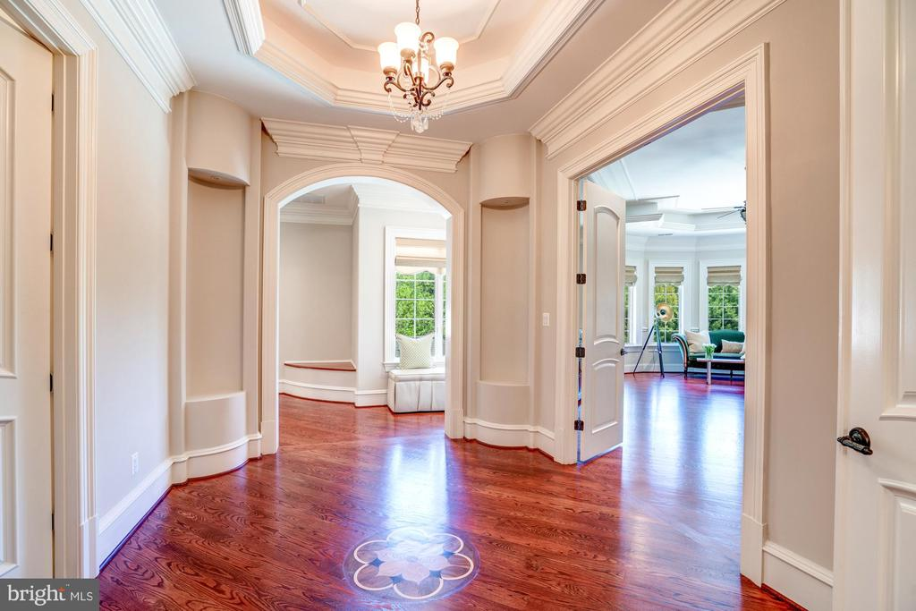 Owner�s Suite Wing - 8334 ALVORD ST, MCLEAN