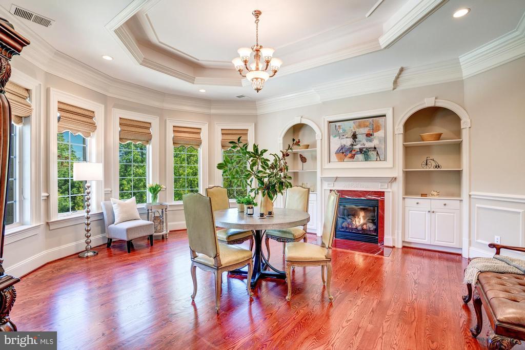 Owners Suite Sitting Room - 8334 ALVORD ST, MCLEAN