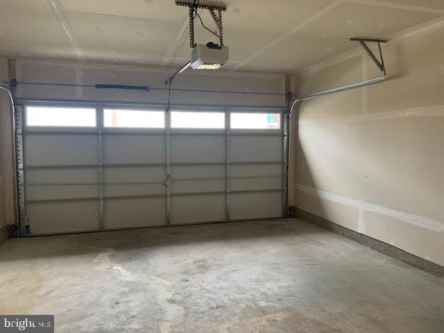 Garage - 16'5