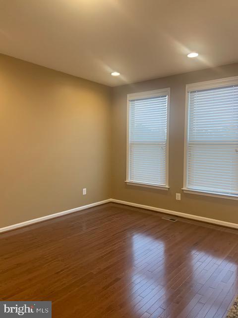 Breakfast room - hardwoods - recessed lights - 42426 DOGWOOD GLEN SQ, STERLING