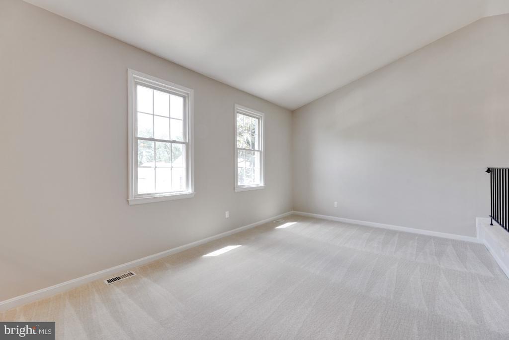 Family Room - 13406 PARCHER AVE, HERNDON