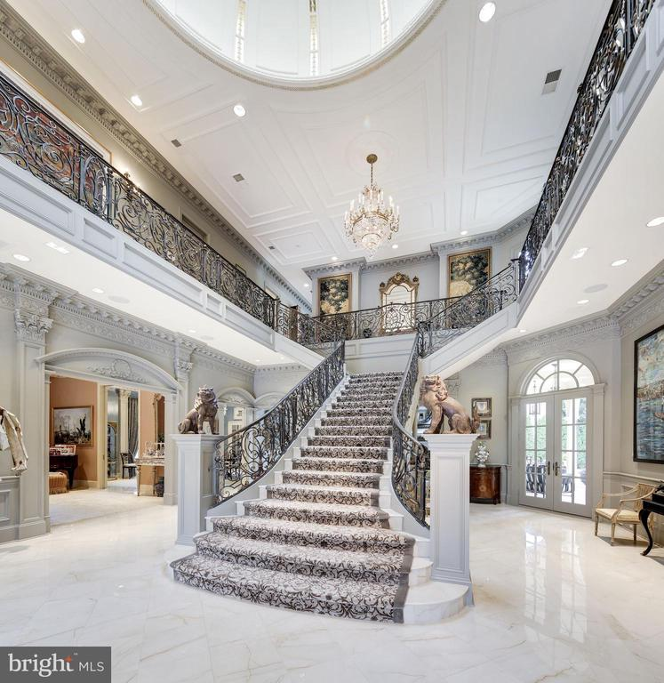 Stairway with Domed Ceiling - 2221 30TH ST NW, WASHINGTON
