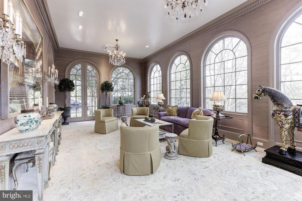 The Folly with Seven Curved Windows & Glass Door - 2221 30TH ST NW, WASHINGTON