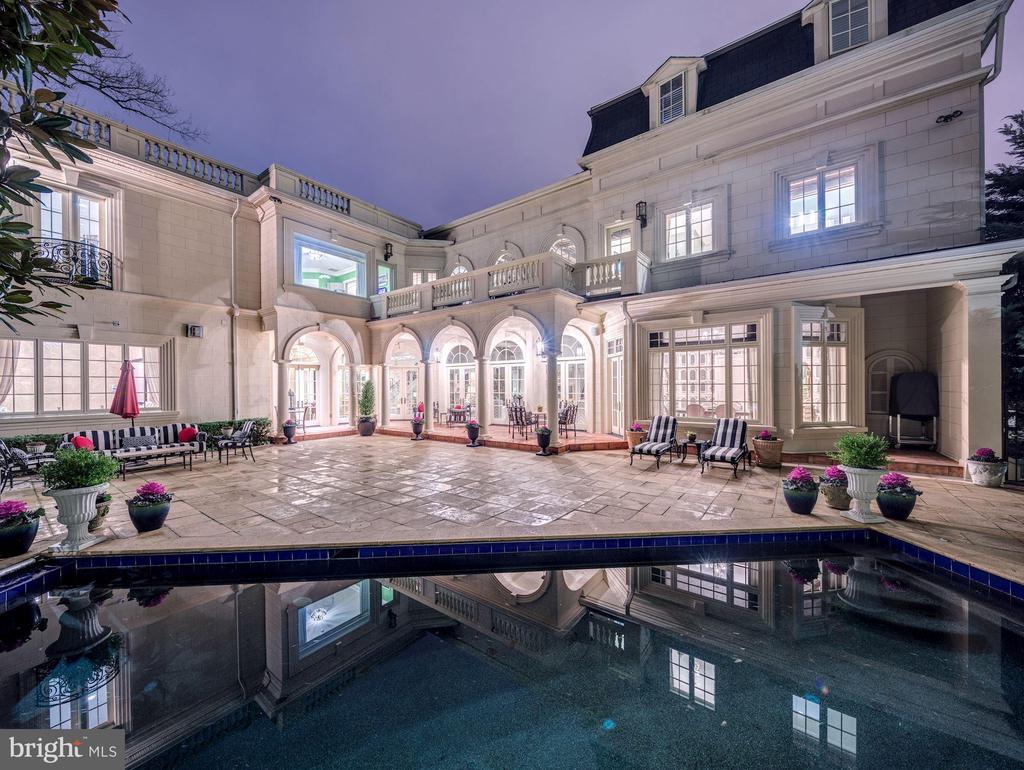 Rear Garden, Terrace & Pool - 2221 30TH ST NW, WASHINGTON