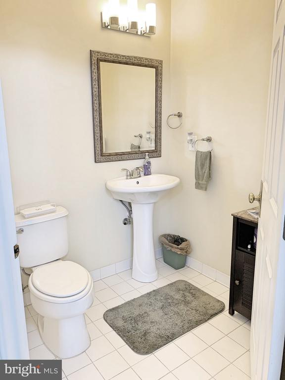 Powder Room - 25216 WHIPPOORWILL TER, CHANTILLY