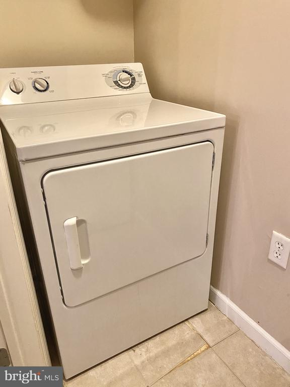Laundry Room - 501 SUNSET VIEW TER SE #407, LEESBURG