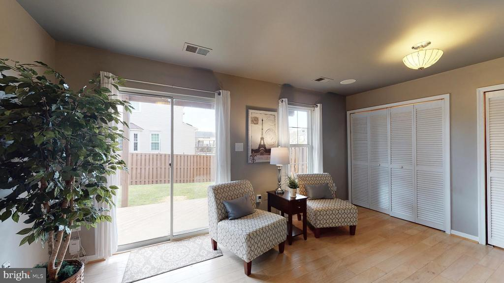 Sunny and Bright - 210 GOLDEN LARCH TER NE, LEESBURG