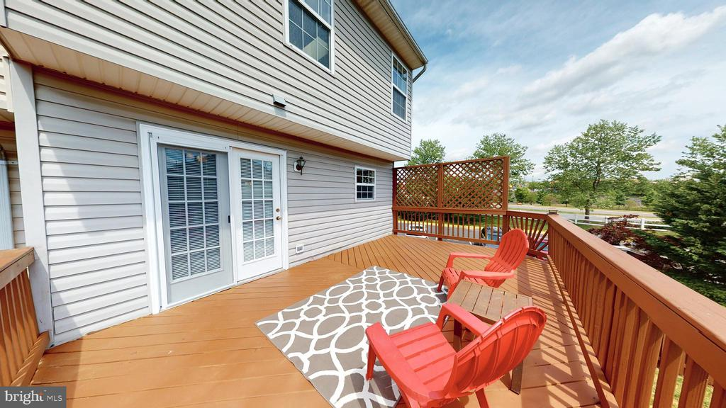 Great Place to Unwind! - 210 GOLDEN LARCH TER NE, LEESBURG