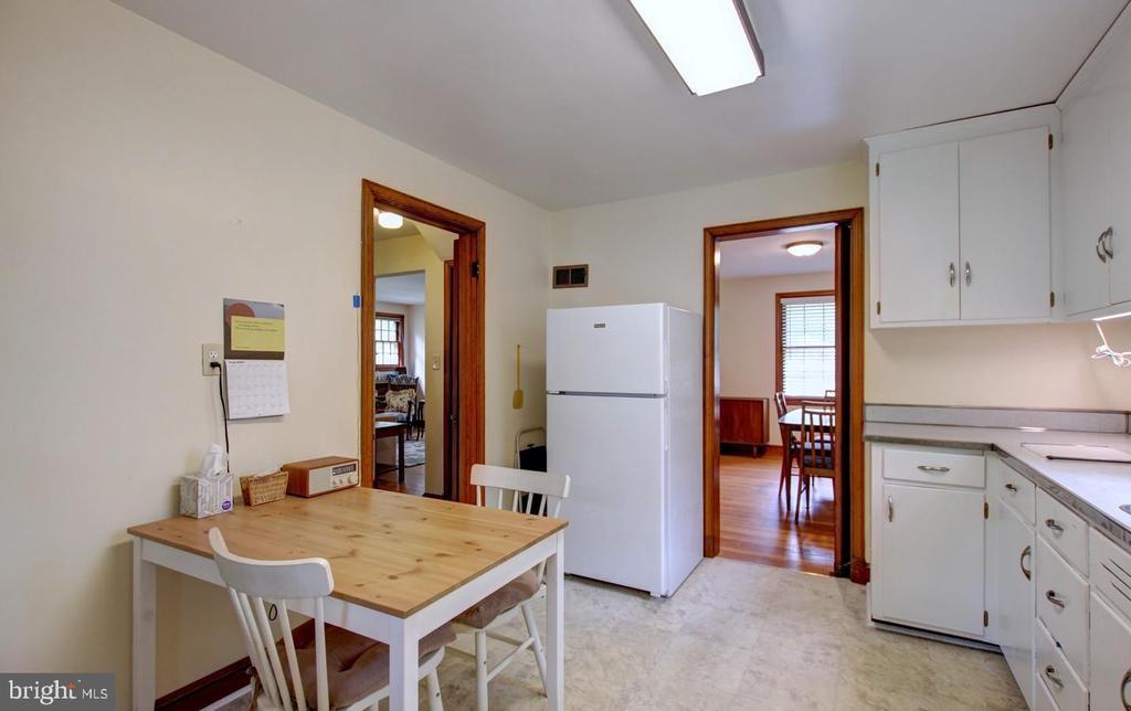 Kitchen - 4437 WELLS PKWY, UNIVERSITY PARK