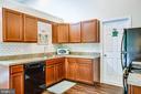 Beautiful gourmet kitchen! - 6300 TAVERNEER LN, SPOTSYLVANIA