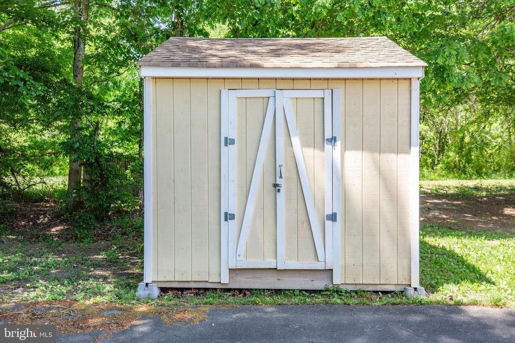 Storage shed - 6300 TAVERNEER LN, SPOTSYLVANIA
