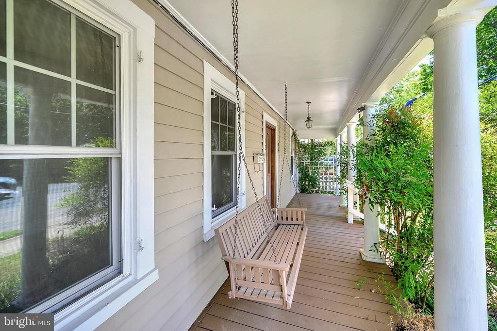 Front Porch - 1215 WINCHESTER ST, FREDERICKSBURG