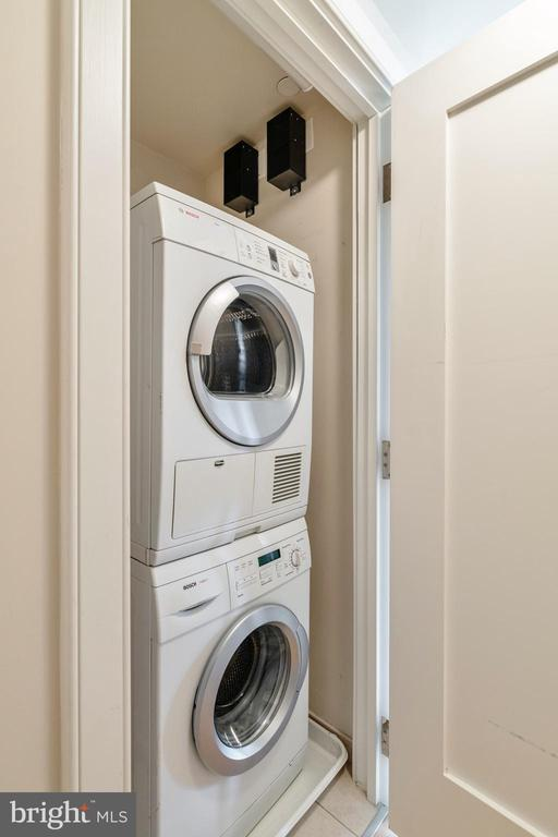 Bosch washer and dryer - 1111 19TH ST N #1909, ARLINGTON