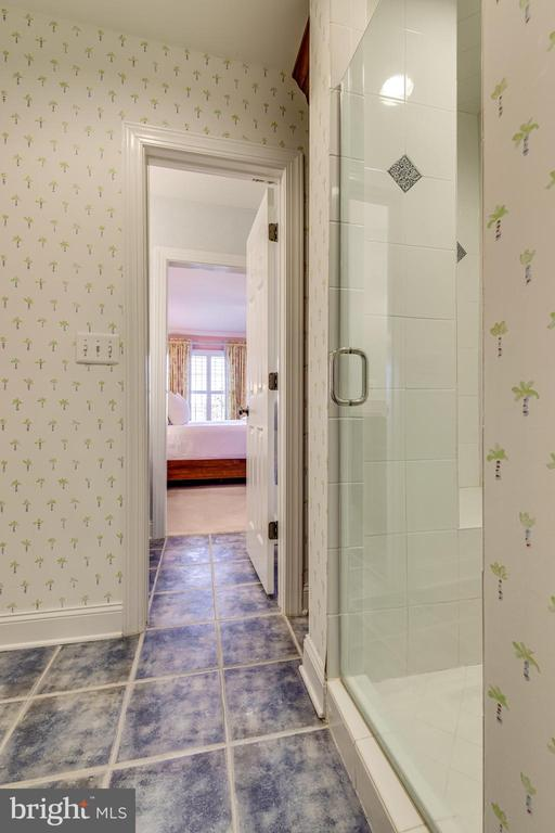 Stand up shower in Jack and Jill bathroom - 1904 MALLINSON WAY, ALEXANDRIA