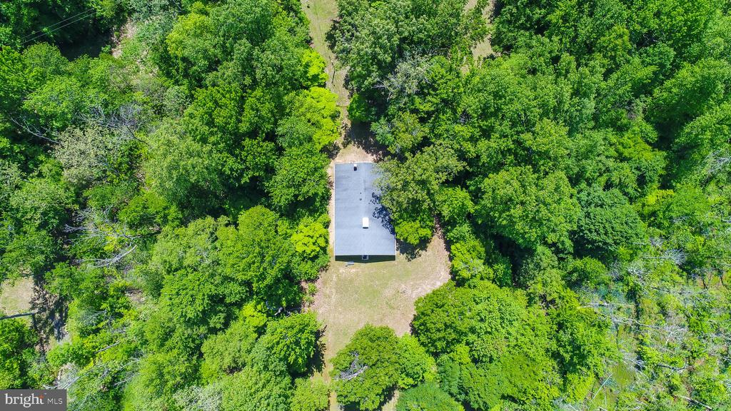 Ample Privacy - 5898 COVE HARBOUR, KING GEORGE