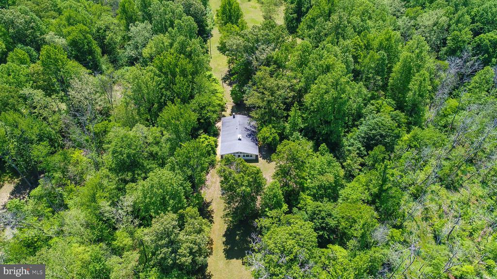 Aerial photo of the existing house - 5898 COVE HARBOUR, KING GEORGE