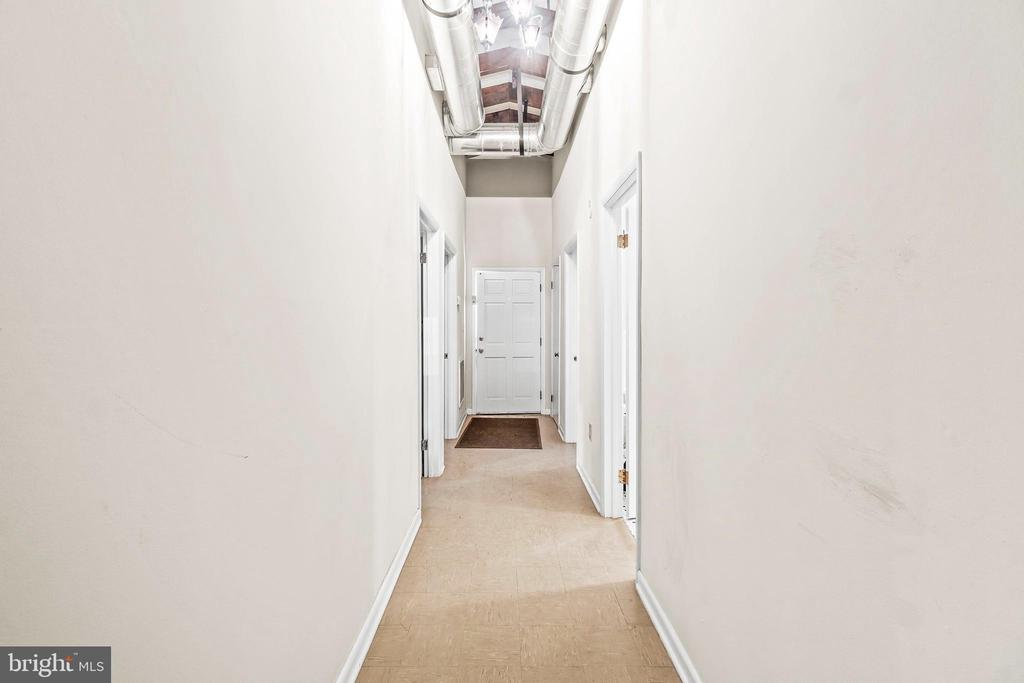 Hallway with industrial style exposed beams & HVAC - 5898 COVE HARBOUR, KING GEORGE