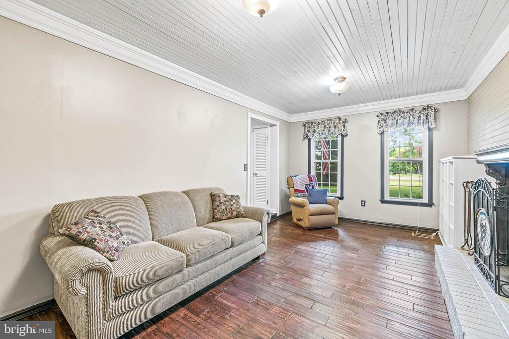Family Room with wood-burning fireplace - 2514 LITTLE RIVER RD, HAYMARKET