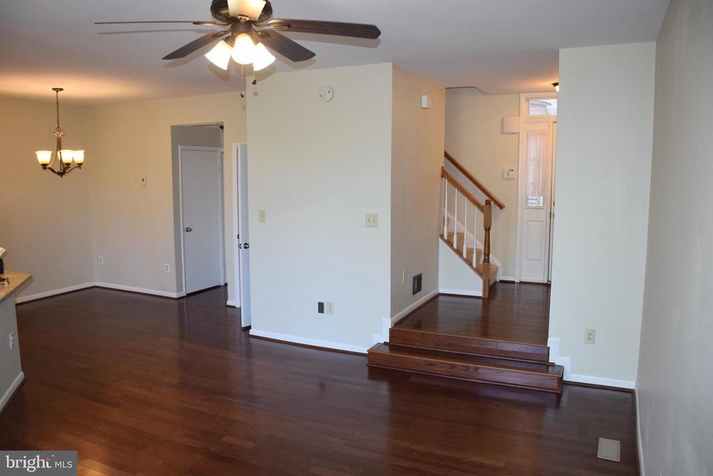 Beautiful Wood Floors on the Main Level - 44188 MOSSY BROOK SQ, ASHBURN