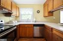 upgraded Corian counters - 16187 BALTIC PL, KING GEORGE
