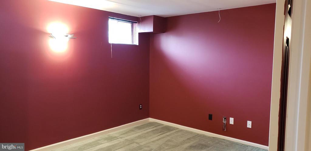 media Room - 55 FOX LN, WHITE POST