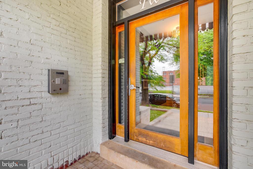 Intercom system (Building Access) - 2 17TH ST SE #104, WASHINGTON