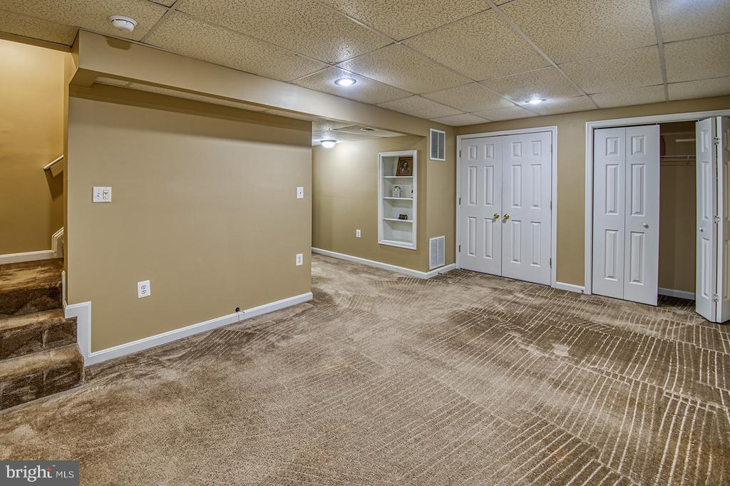 Finished Basement-Den, Playroom, Office - 103 CROSSING POINTE CT, FREDERICK
