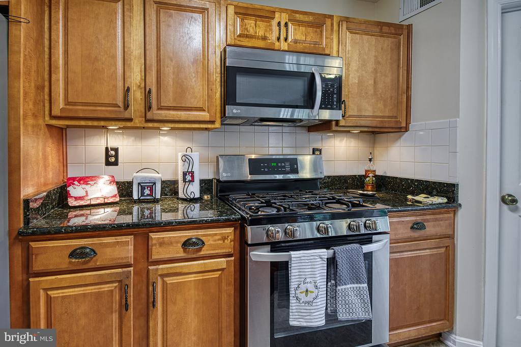 - 103 CROSSING POINTE CT, FREDERICK