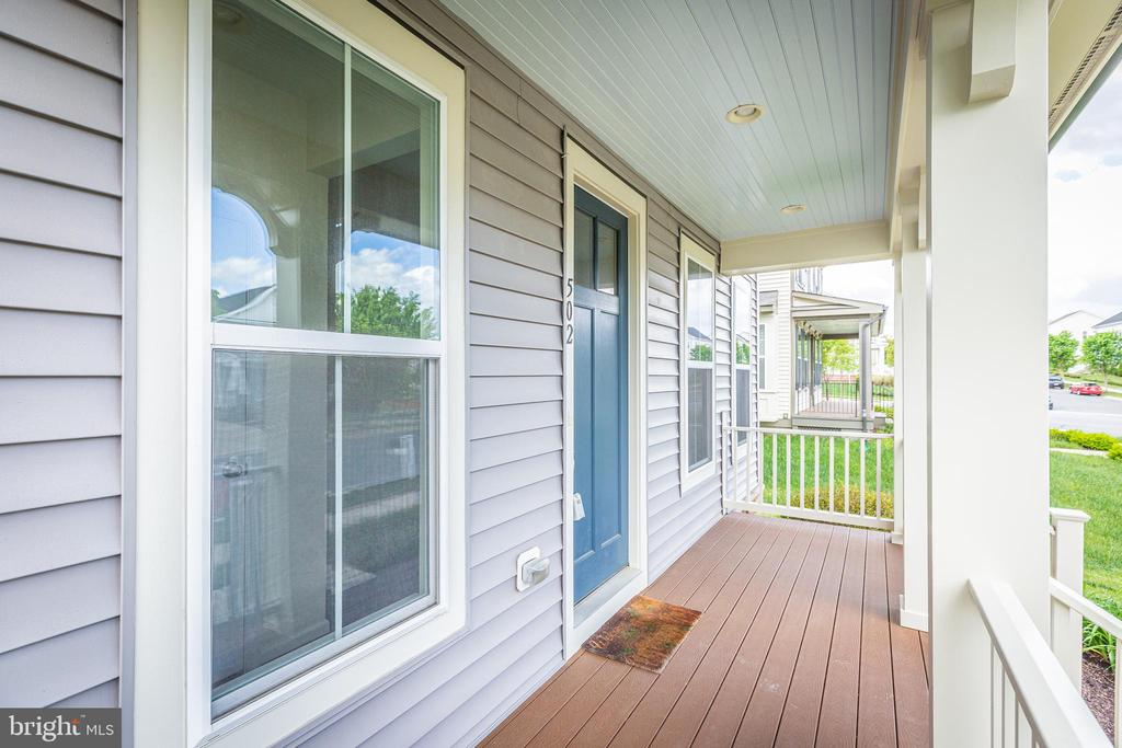 Front porch with plenty of room for chairs. - 502 APRICOT ST, STAFFORD