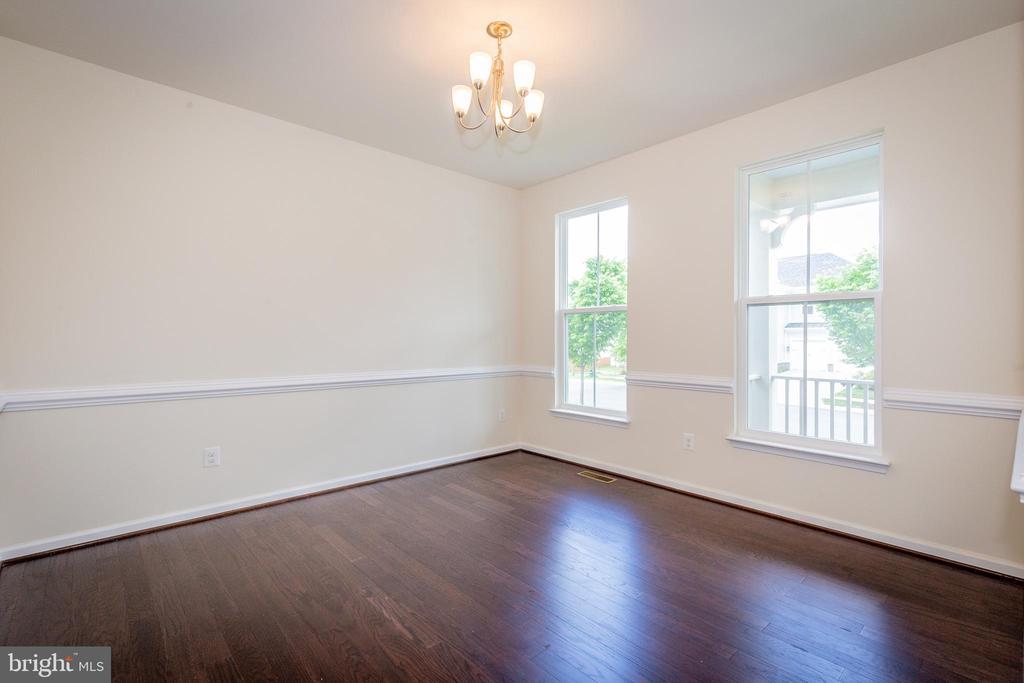 Dining room off of foyer. - 502 APRICOT ST, STAFFORD