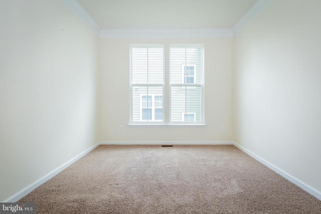 Office/Den - 502 APRICOT ST, STAFFORD