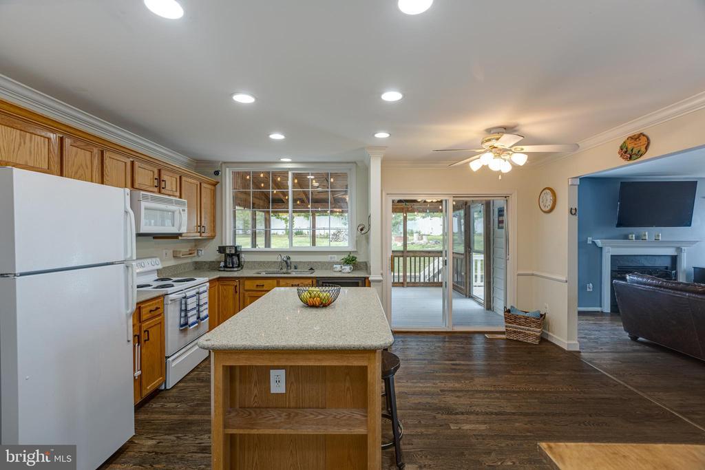 Open Kitchen with Island - 20443 MIDDLEBURY ST, ASHBURN