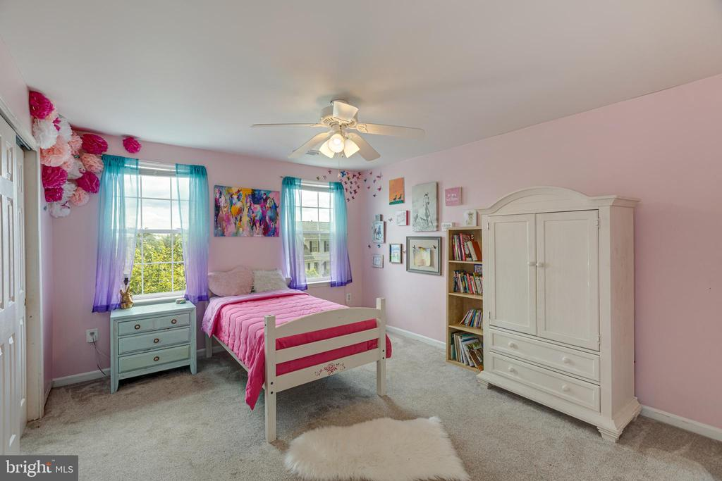Bedroom #2 with City Views - 20443 MIDDLEBURY ST, ASHBURN