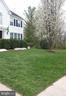 beautiful yard - 20782 LUCINDA CT, ASHBURN