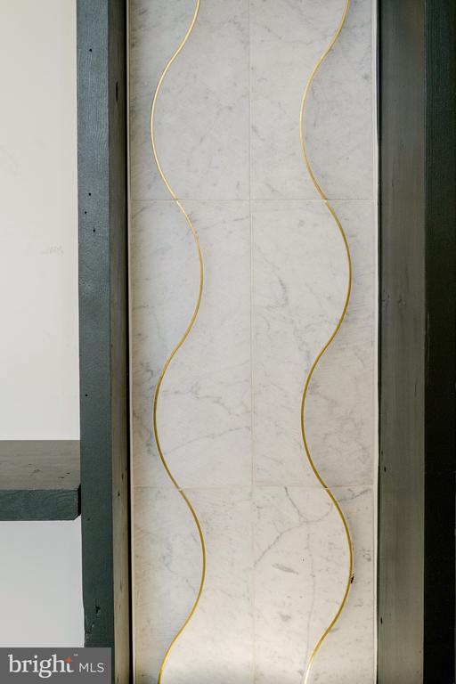 Wavy accent tile - 1120 GUILFORD CT, MCLEAN