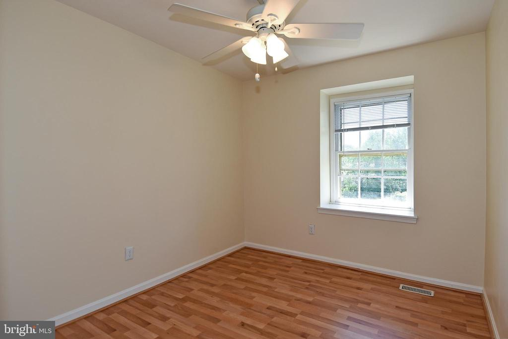 Bedroom can be an office or guest room. - 6463 FENESTRA CT #50C, BURKE