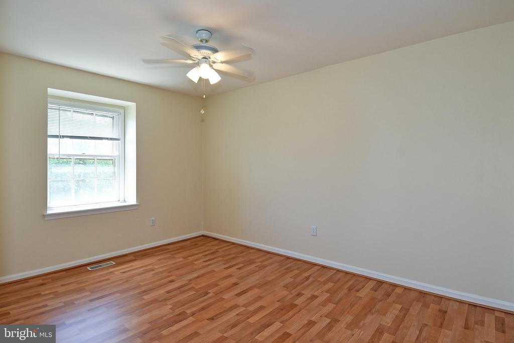 A fan in each bedroom helps cooling costs. - 6463 FENESTRA CT #50C, BURKE